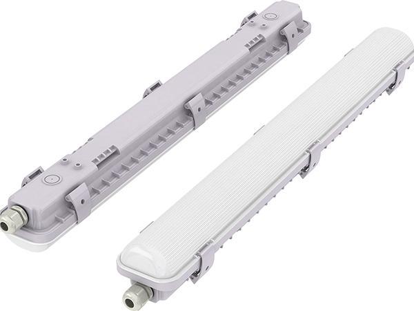 Plafoniera Con Emergenza Incorporata : Plafoniera barra led arcs ii a potenza media sensore di emergenza